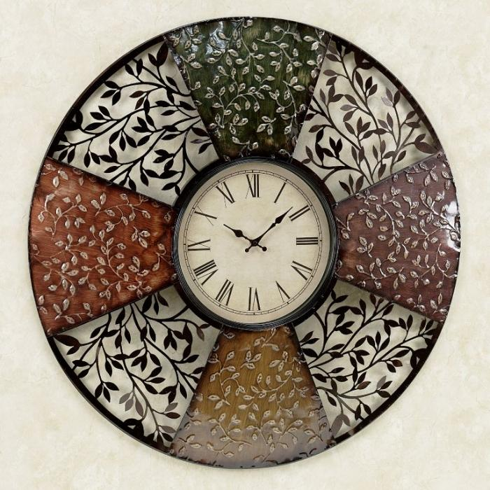 scrolling-vines-round-metal-wall-clock-700x700
